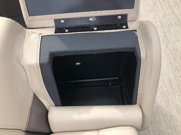 2021 Bentley boat for sale, model of the boat is 243 Fish & Image # 23 of 29