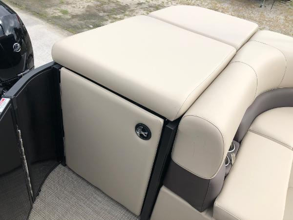 2021 Bentley boat for sale, model of the boat is 243 Fish & Image # 27 of 29