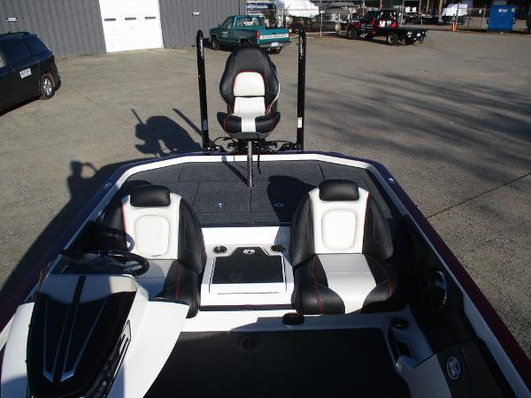 2021 Ranger Boats boat for sale, model of the boat is Z521C Ranger Cup Equipped & Image # 2 of 8