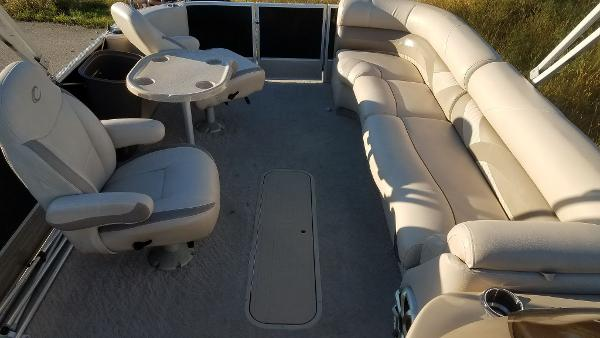 2012 Crest boat for sale, model of the boat is 250SLR Caribbean & Image # 9 of 24