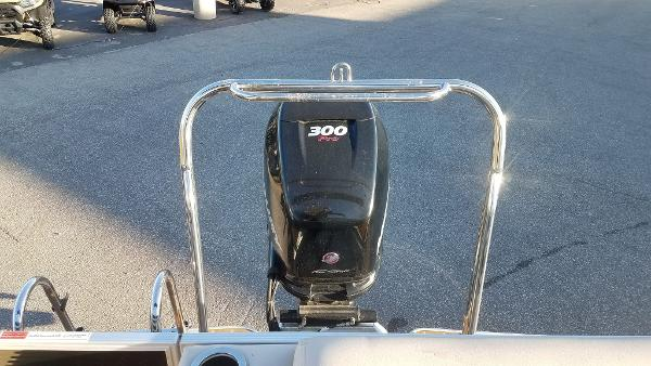 2012 Crest boat for sale, model of the boat is 250SLR Caribbean & Image # 19 of 24