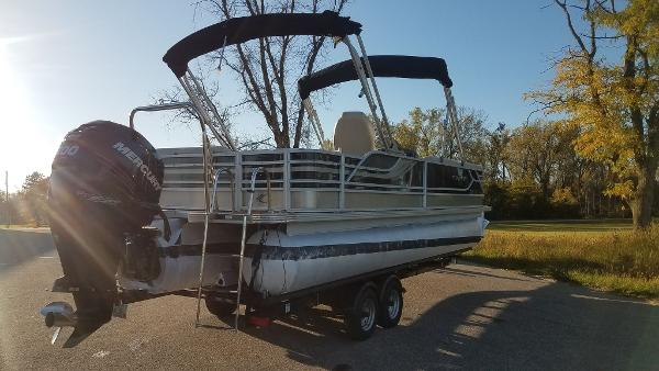 2012 Crest boat for sale, model of the boat is 250SLR Caribbean & Image # 5 of 24