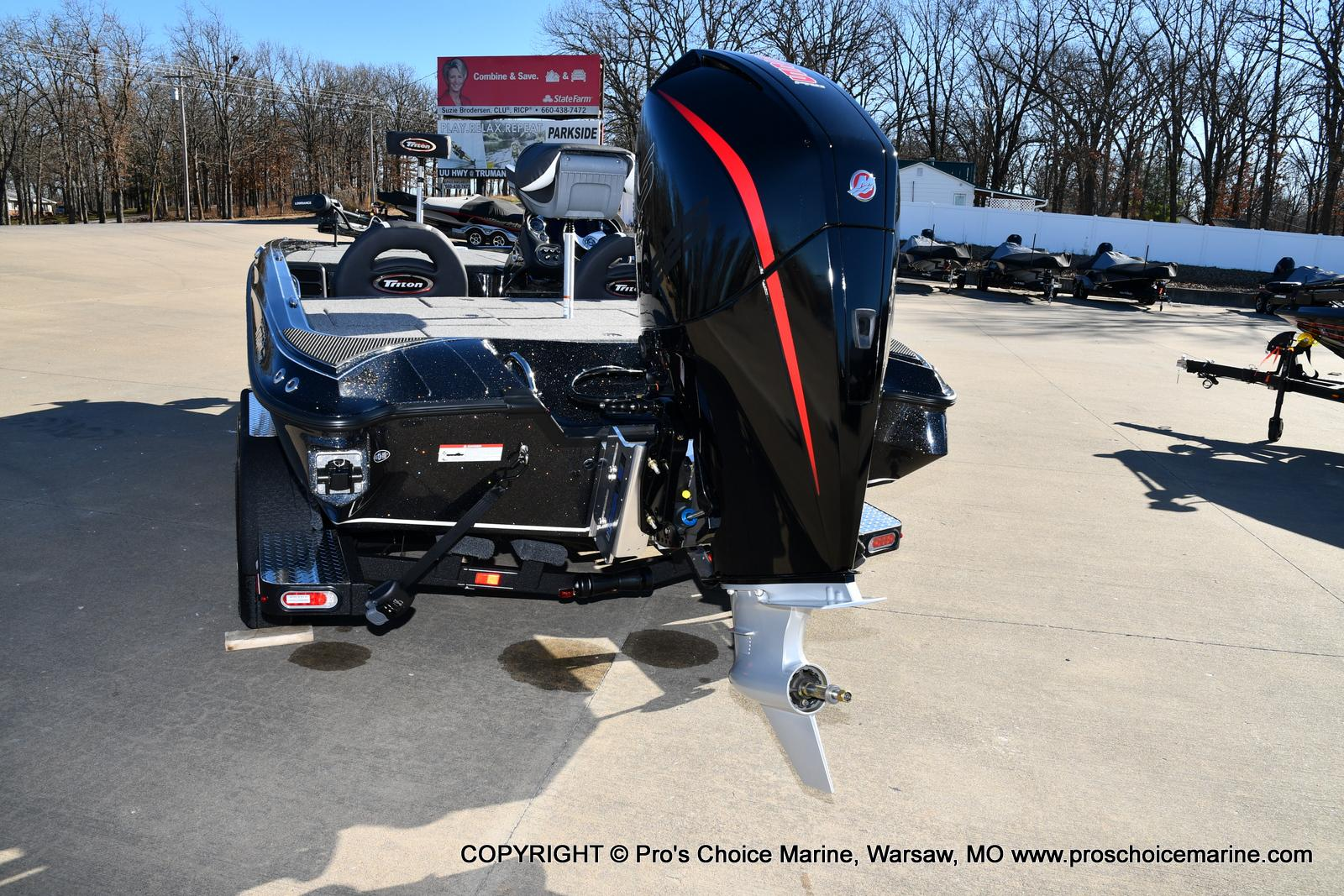 2021 Triton boat for sale, model of the boat is 19 TRX PATRIOT w/225HP PRO-XS & Image # 18 of 50