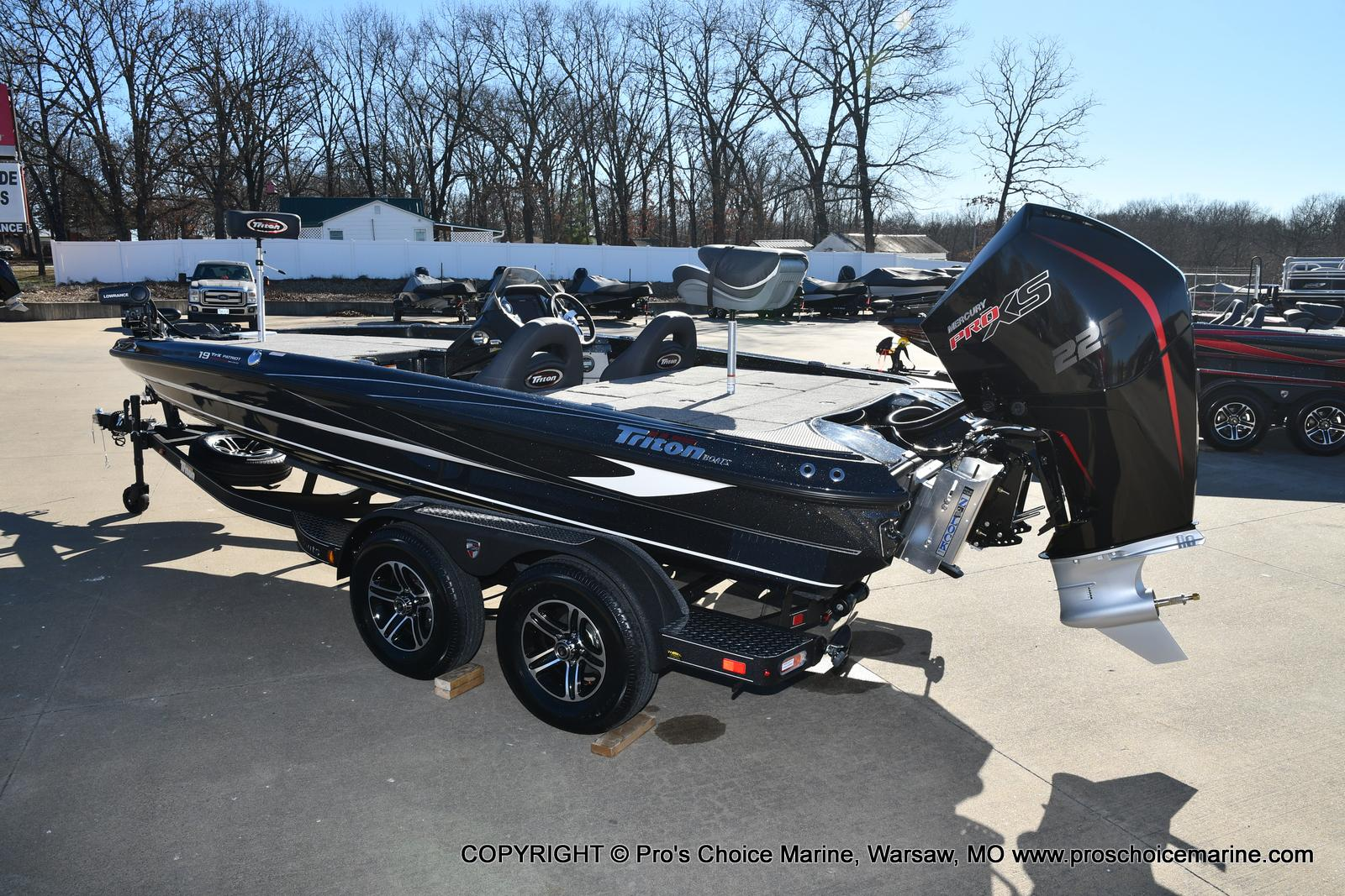 2021 Triton boat for sale, model of the boat is 19 TRX PATRIOT w/225HP PRO-XS & Image # 4 of 50