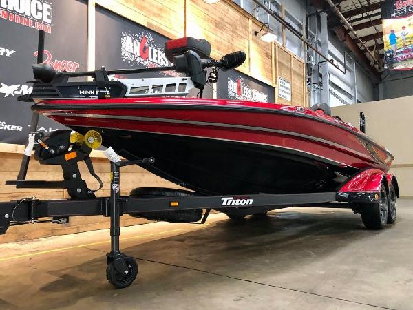 2021 Triton boat for sale, model of the boat is 20 TRX Patriot & Image # 3 of 18