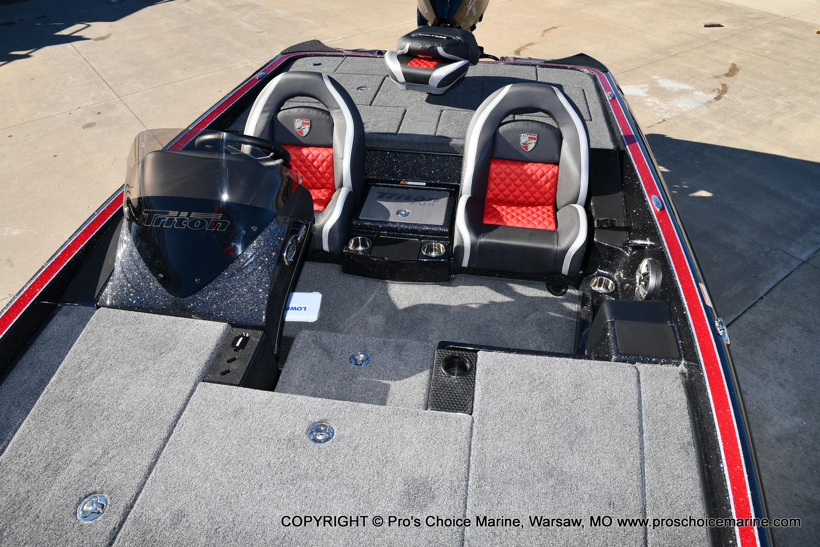 2021 Triton boat for sale, model of the boat is 19 TRX PATRIOT w/225HP PRO-XS & Image # 16 of 50