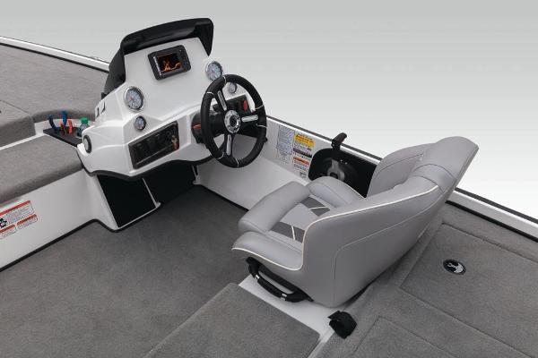 2020 Nitro boat for sale, model of the boat is Z18 & Image # 25 of 54