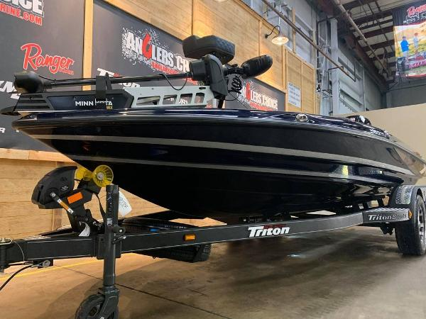 2021 Triton boat for sale, model of the boat is 189 TRX & Image # 13 of 17