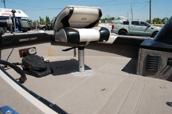 2001 Smoker Craft boat for sale, model of the boat is 171 & Image # 4 of 9