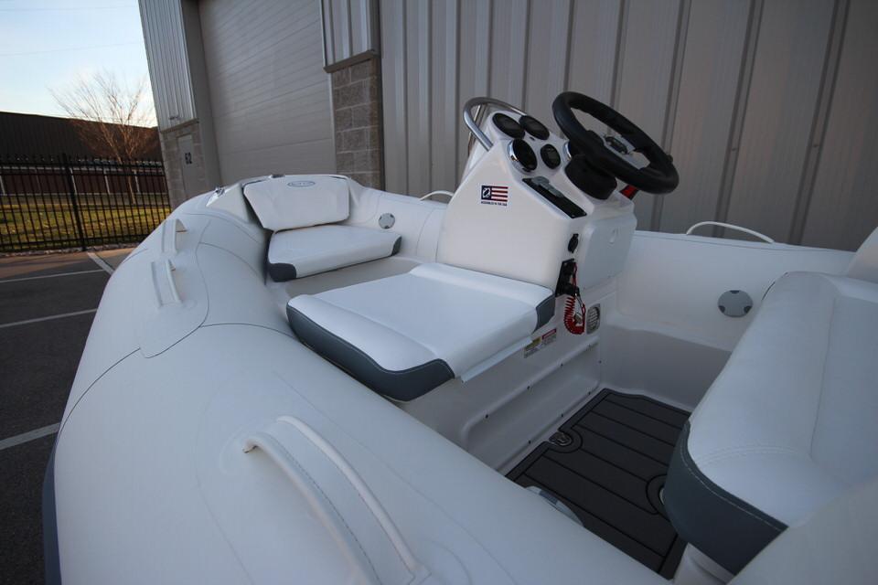 2021 Zodiac Yachtline 360 DL NEO GL Edition 40hp In Stock, Image 20
