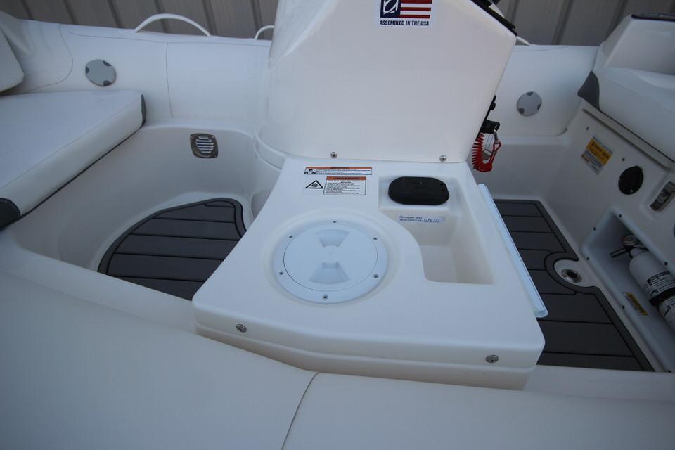 2021 Zodiac Yachtline 360 DL NEO GL Edition 40hp In Stock, Image 21