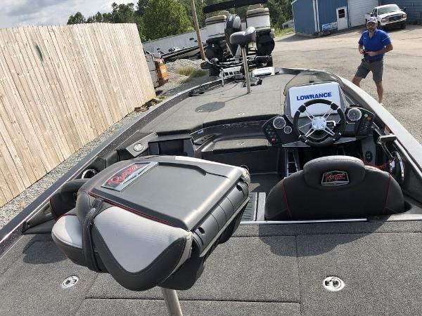 2018 Ranger Boats boat for sale, model of the boat is Z520C & Image # 7 of 29