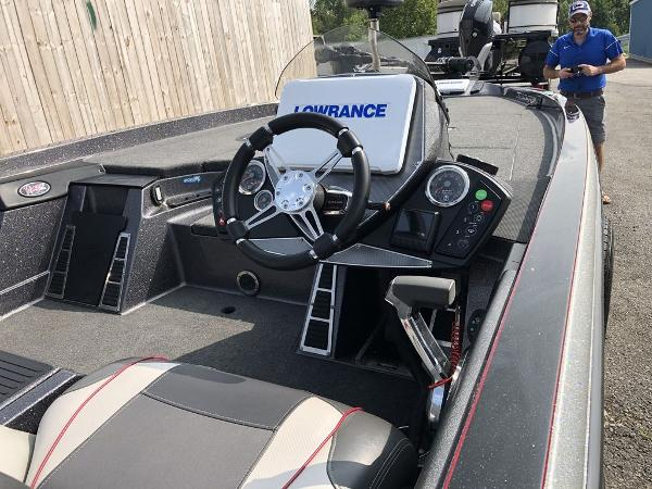 2018 Ranger Boats boat for sale, model of the boat is Z520C & Image # 9 of 29