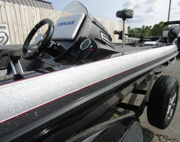 2018 Ranger Boats boat for sale, model of the boat is Z520C & Image # 12 of 29