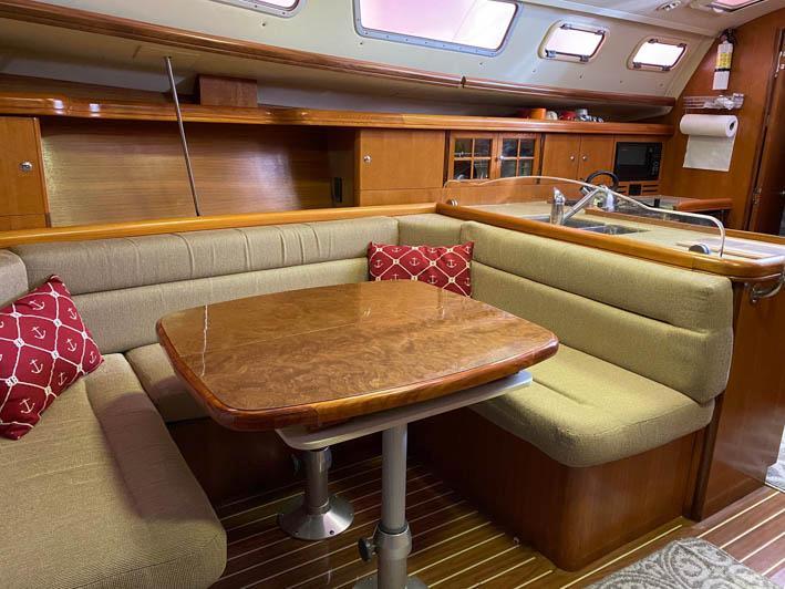 MA 5864 RF Knot 10 Yacht Sales