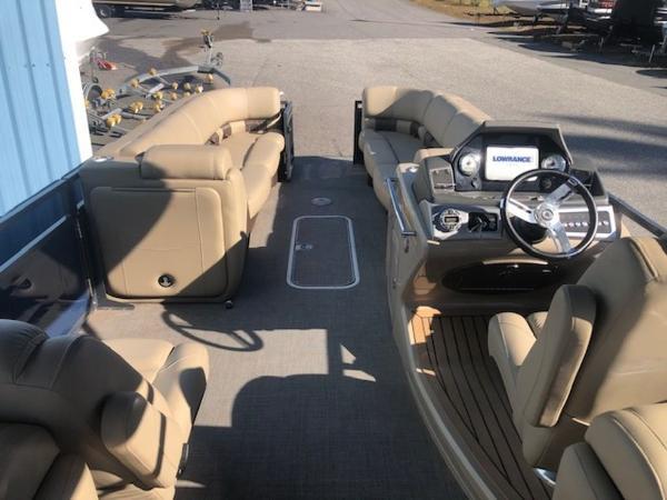 2019 Regency boat for sale, model of the boat is 250 LE3 & Image # 4 of 13
