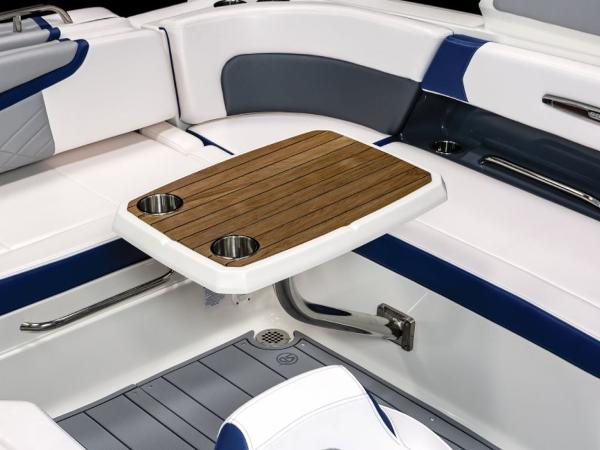 2021 Chaparral boat for sale, model of the boat is 287 SSX & Image # 2 of 12