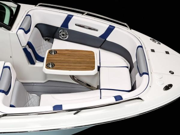 2021 Chaparral boat for sale, model of the boat is 287 SSX & Image # 5 of 12