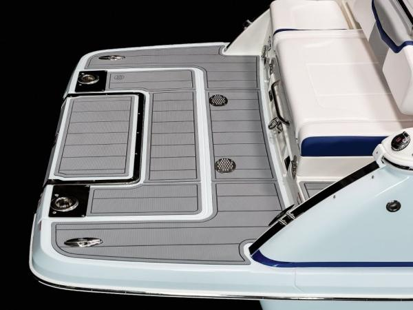 2021 Chaparral boat for sale, model of the boat is 287 SSX & Image # 8 of 12