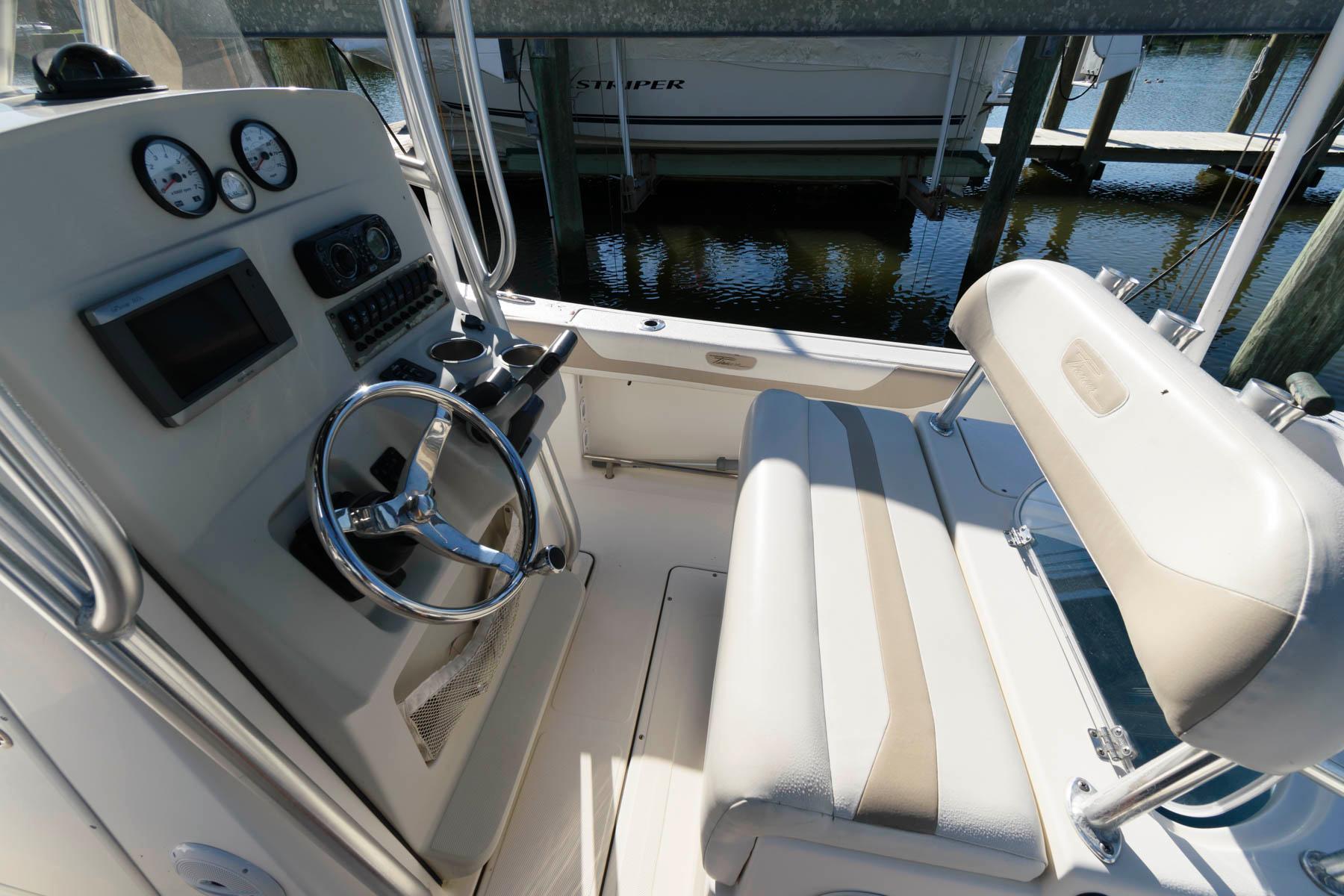 M 6222 WT Knot 10 Yacht Sales