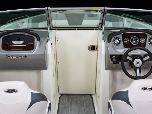 2021 Chaparral boat for sale, model of the boat is 23 SSi & Image # 5 of 11