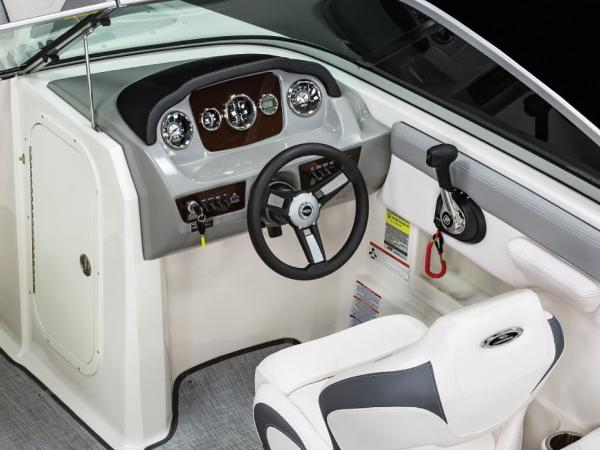 2021 Chaparral boat for sale, model of the boat is 23 SSi & Image # 8 of 11