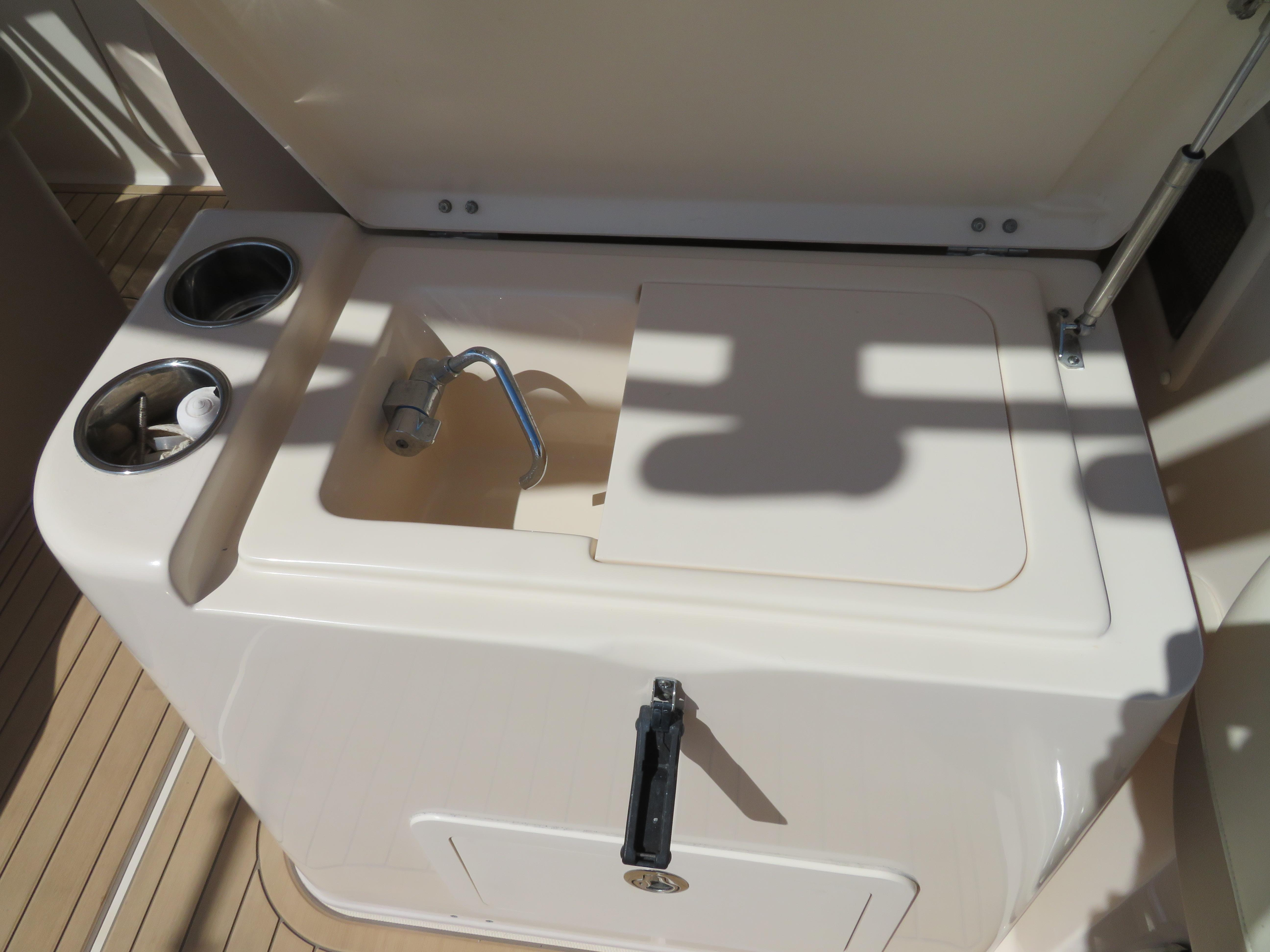 2013 Grady-White Freedom Dual Console