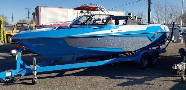 2021 Axis boat for sale, model of the boat is T23 & Image # 1 of 2