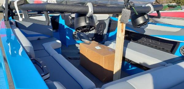 2021 Axis boat for sale, model of the boat is T23 & Image # 2 of 2