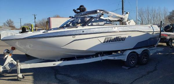 2021 Malibu boat for sale, model of the boat is 23 LSV & Image # 1 of 2
