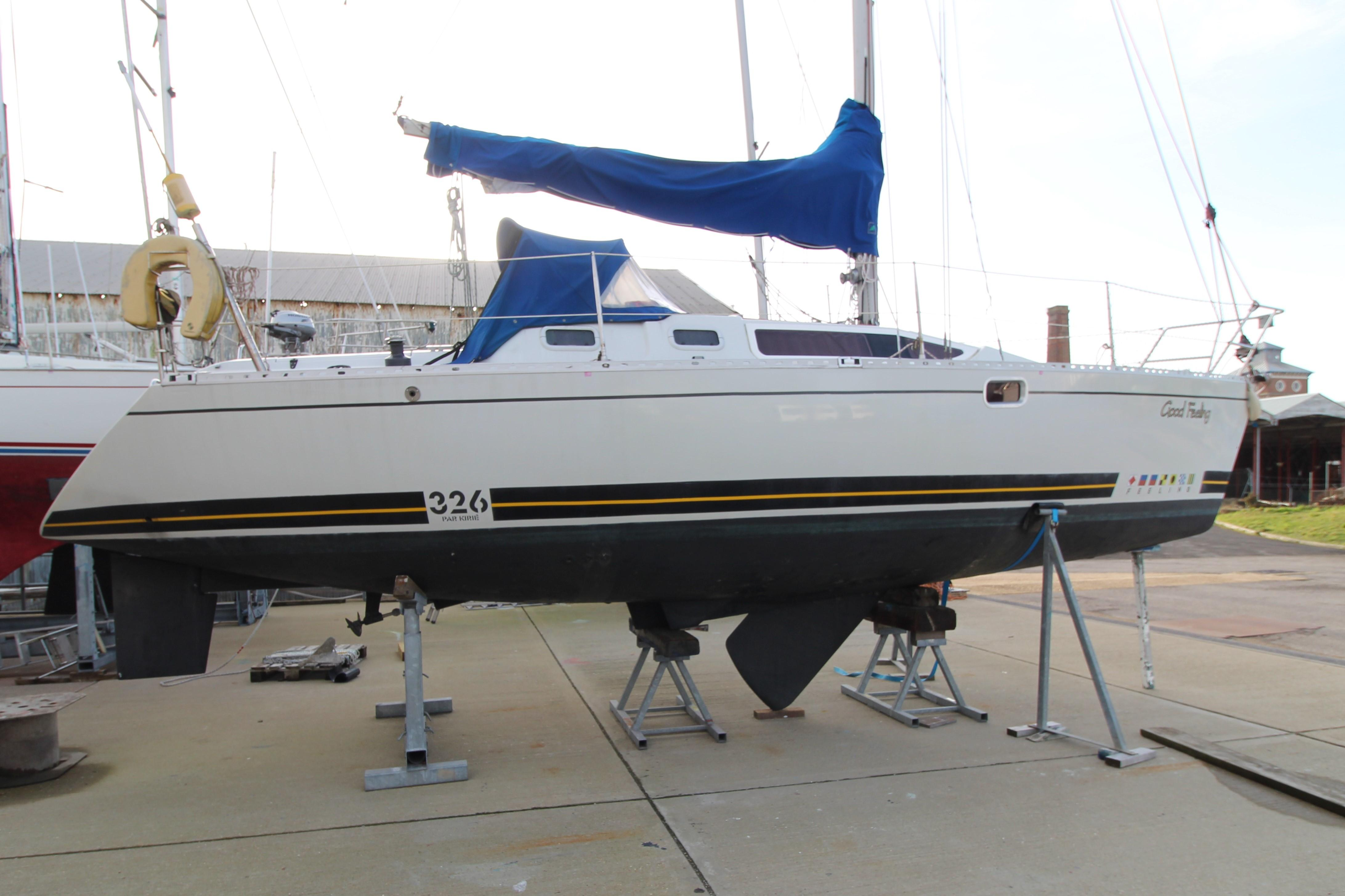 Feeling 326 Lift Keel out of the water