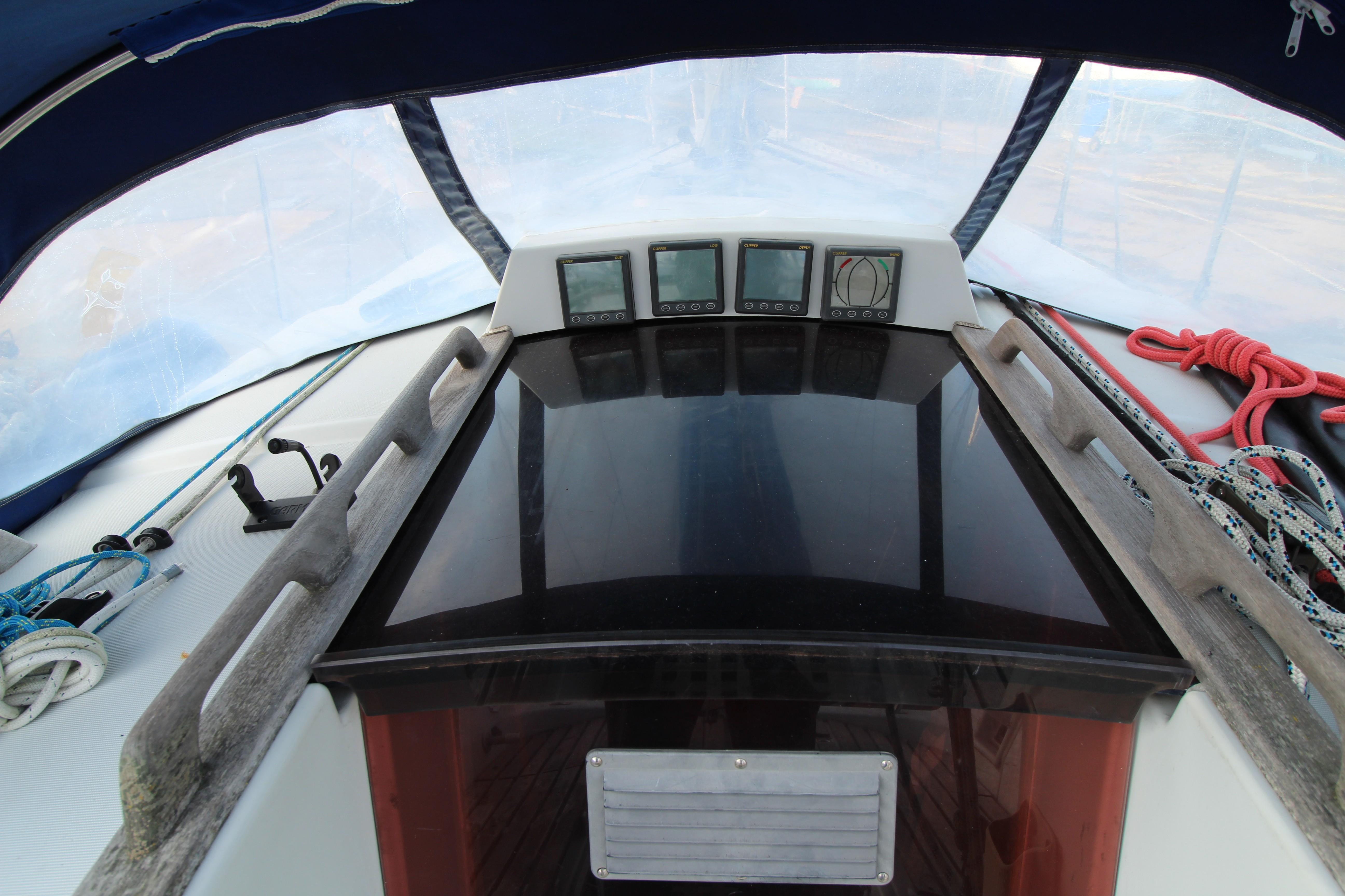 Feeling 326 Lift Keel instruments