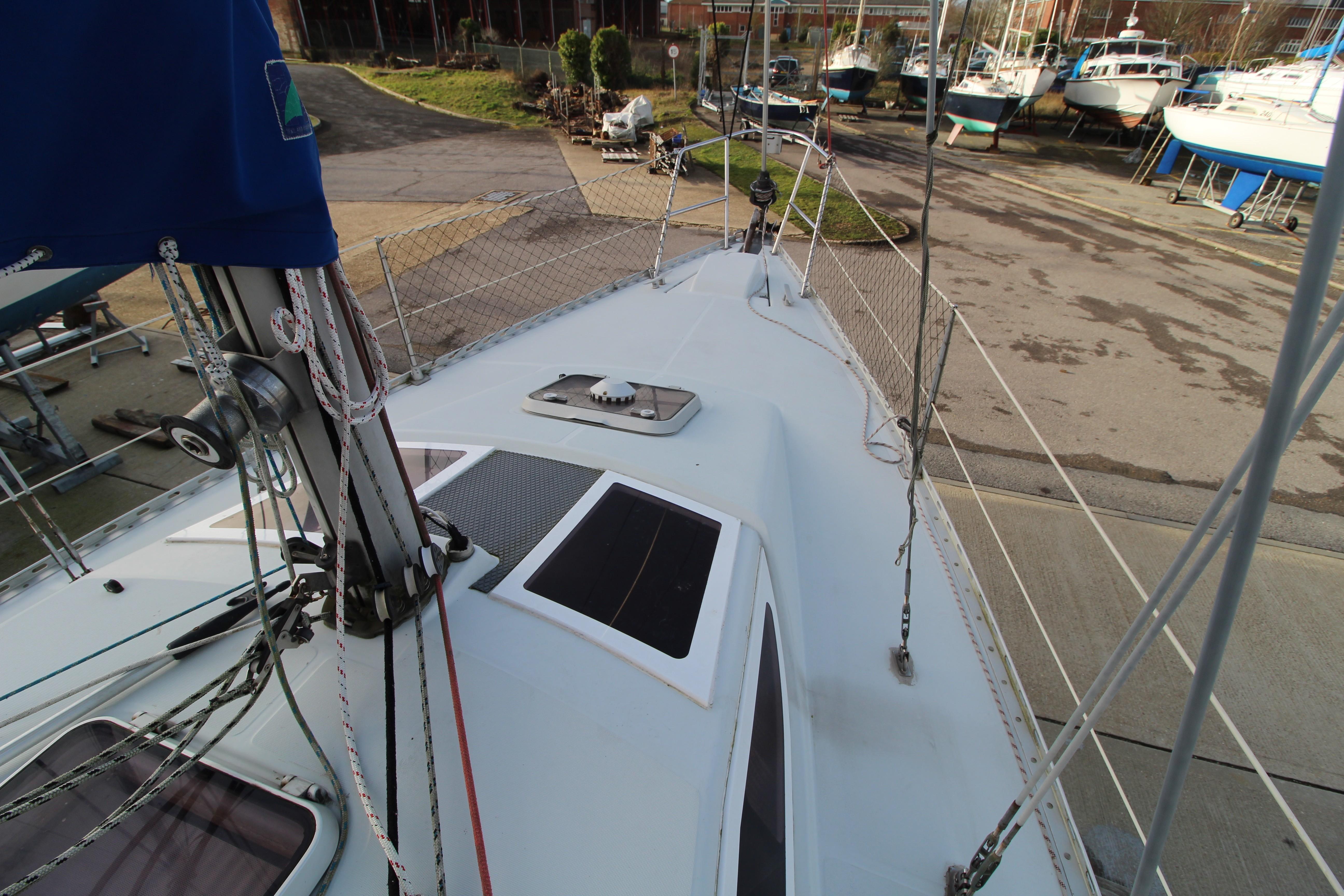 Feeling 326 Lift Keel deck