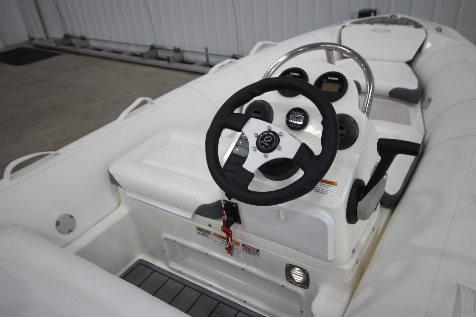 2022 Zodiac Yachtline 440 Deluxe NEO GL Edition 60hp On Order, Image 15