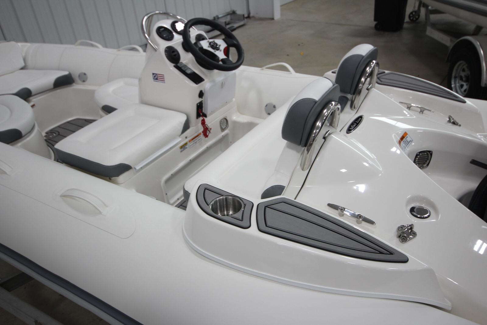 2022 Zodiac Yachtline 440 Deluxe NEO GL Edition 60hp On Order, Image 22