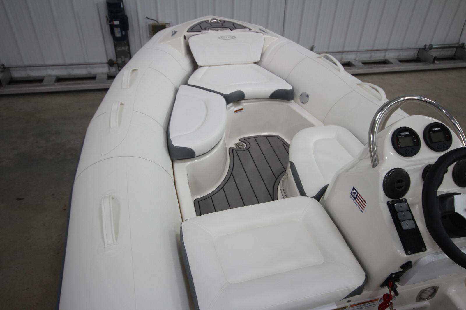 2022 Zodiac Yachtline 440 Deluxe NEO GL Edition 60hp On Order, Image 16