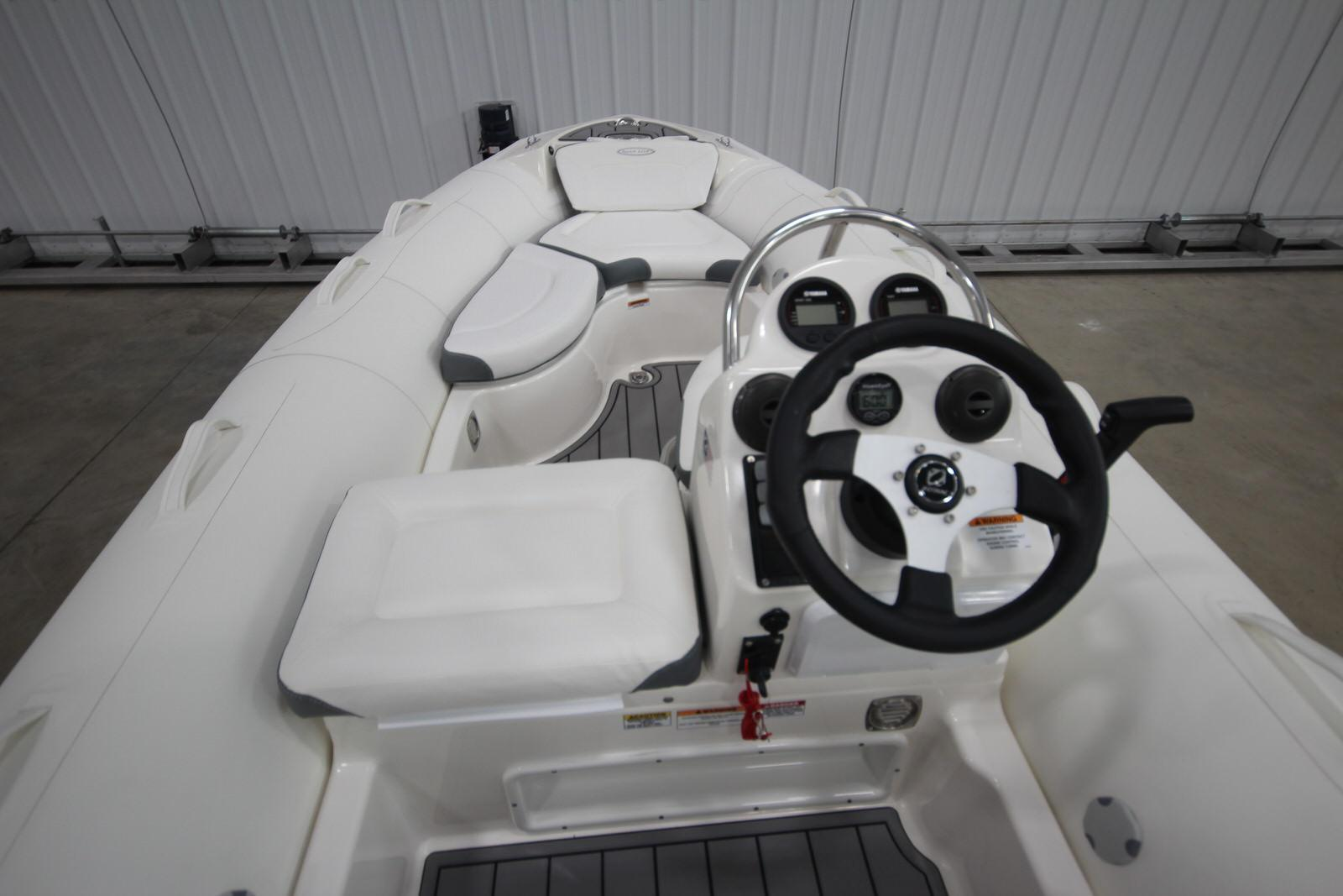 2022 Zodiac Yachtline 440 Deluxe NEO GL Edition 60hp On Order, Image 14