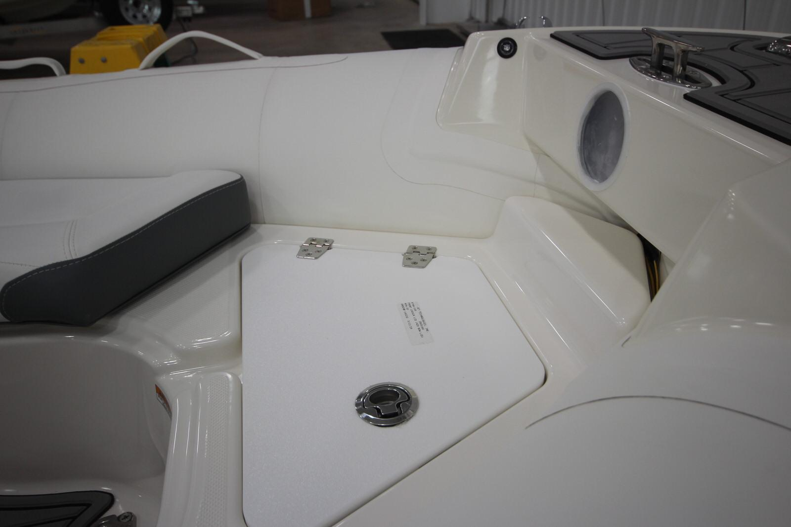 2022 Zodiac Yachtline 440 Deluxe NEO GL Edition 60hp On Order, Image 28