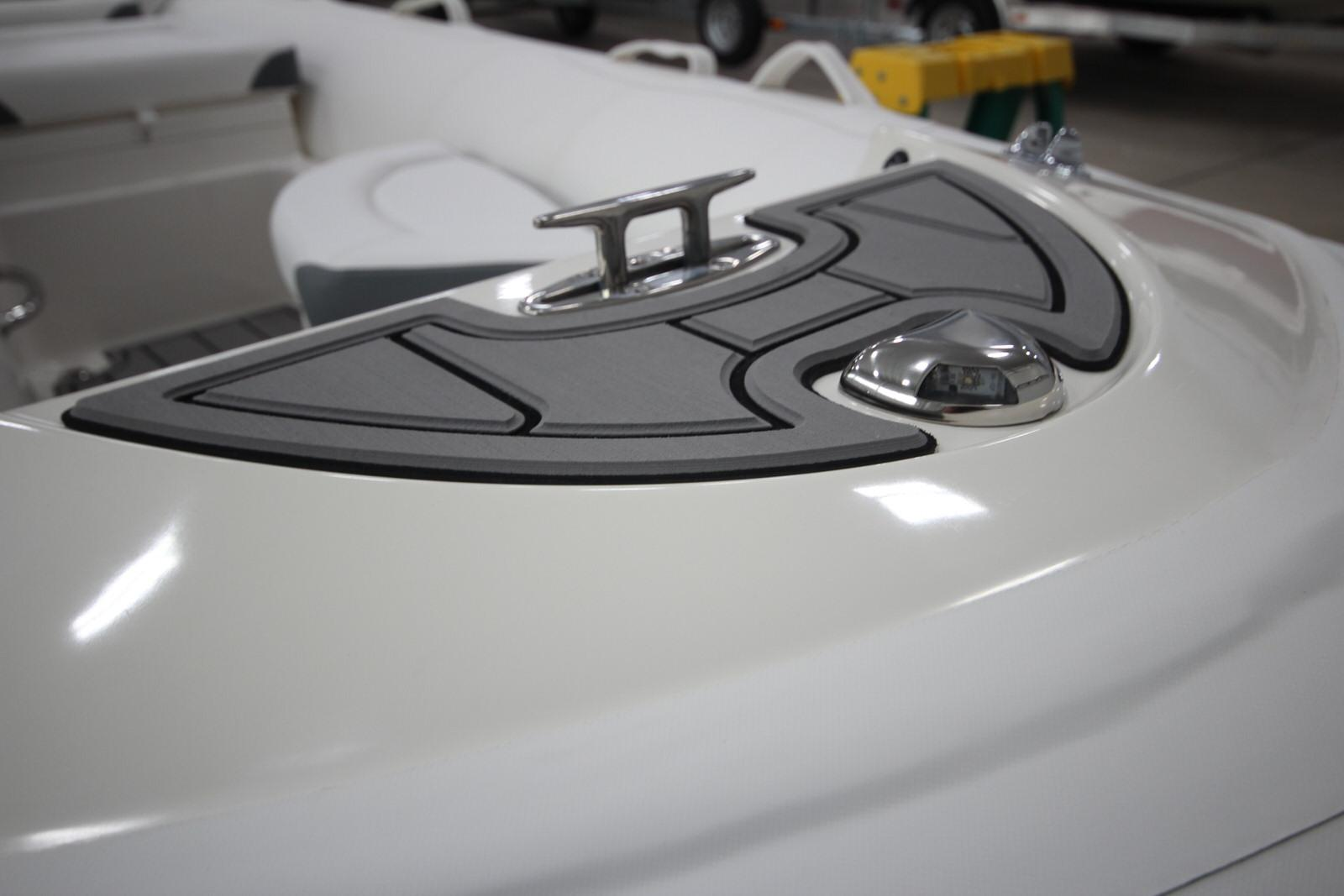 2022 Zodiac Yachtline 440 Deluxe NEO GL Edition 60hp On Order, Image 27