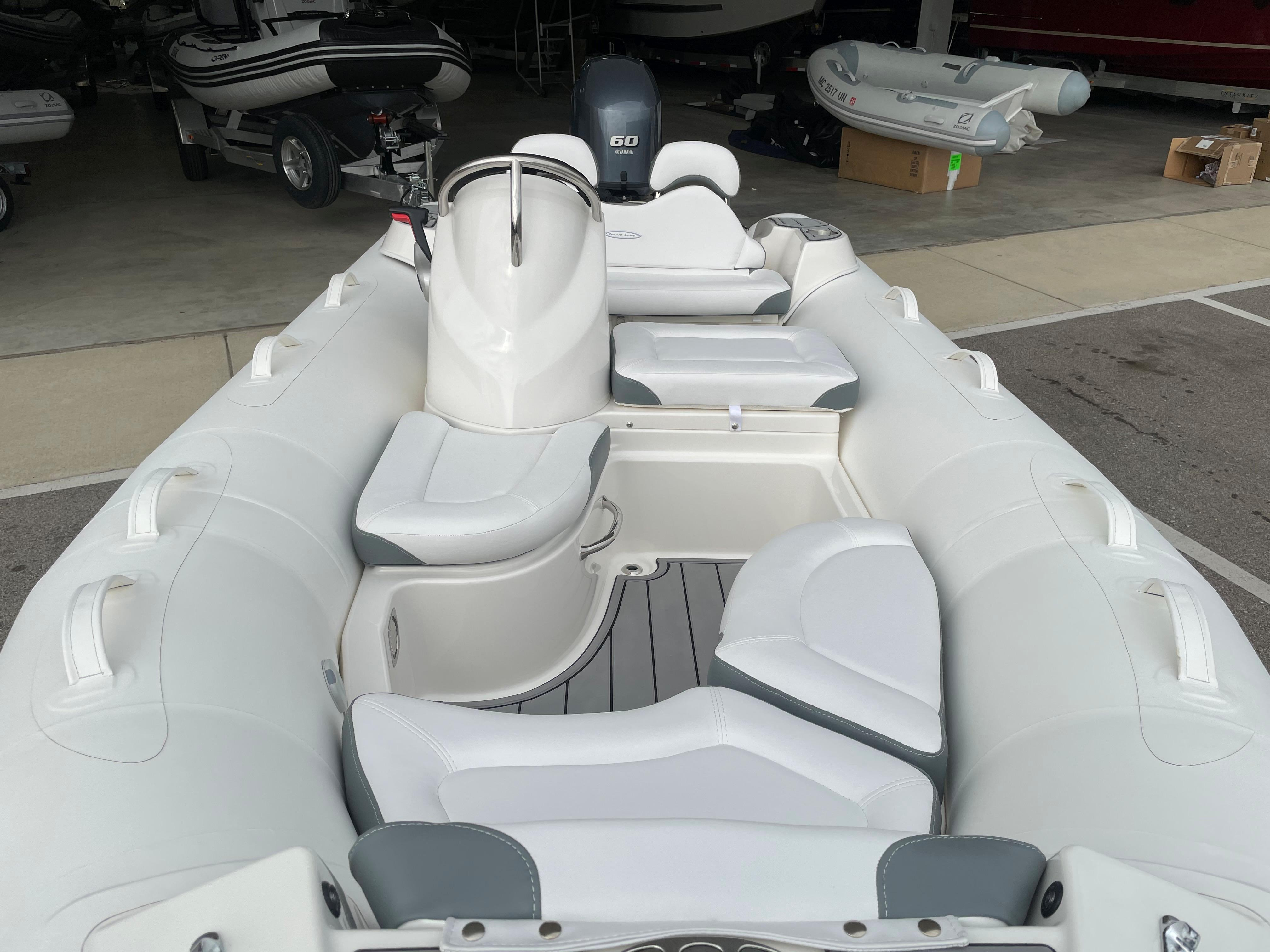2022 Zodiac Yachtline 440 Deluxe NEO GL Edition 60hp On Order, Image 9