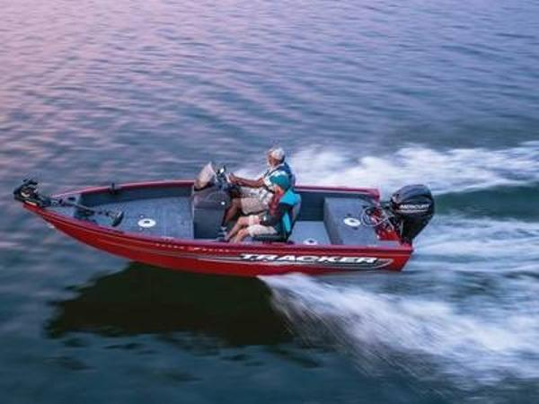 2021 Tracker Boats boat for sale, model of the boat is Super Guide™ V-16 SC & Image # 1 of 41