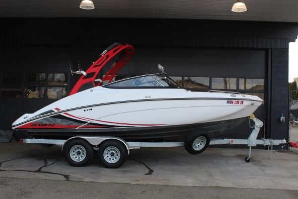 2020 Yamaha Boats 212X thumbnail
