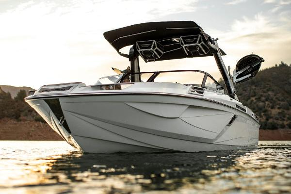 2021 Centurion boat for sale, model of the boat is Ri245 & Image # 7 of 13