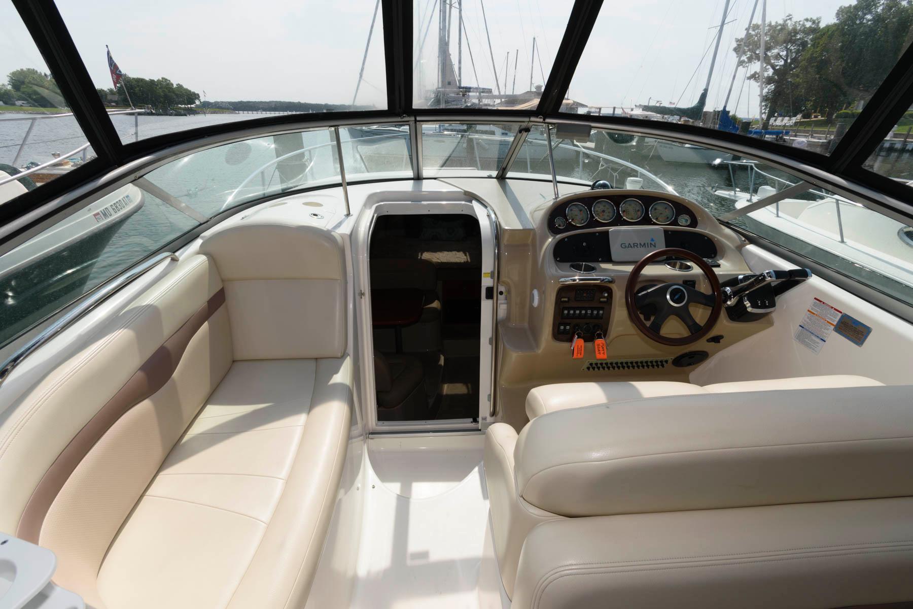M 6258 TW Knot 10 Yacht Sales