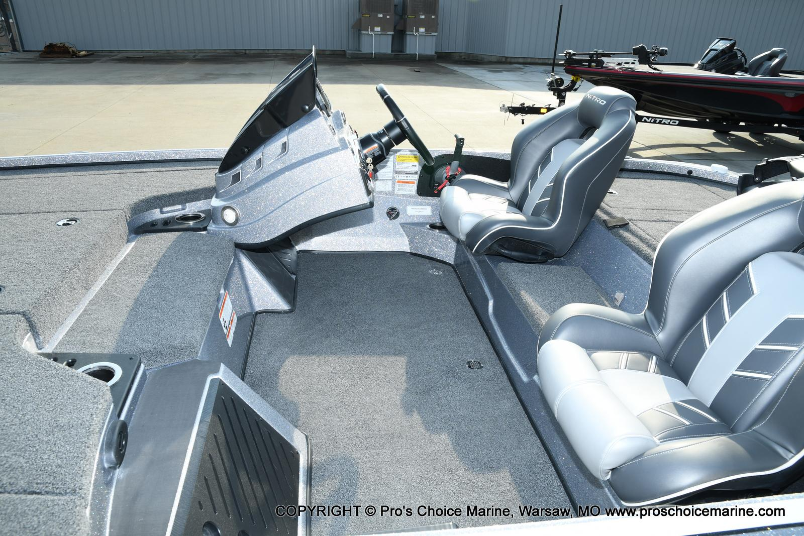 2021 Nitro boat for sale, model of the boat is Z18 Pro Pack w/175HP Pro-XS & Image # 12 of 50