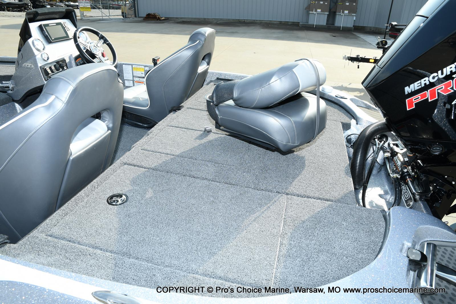 2021 Nitro boat for sale, model of the boat is Z18 Pro Pack w/175HP Pro-XS & Image # 6 of 50