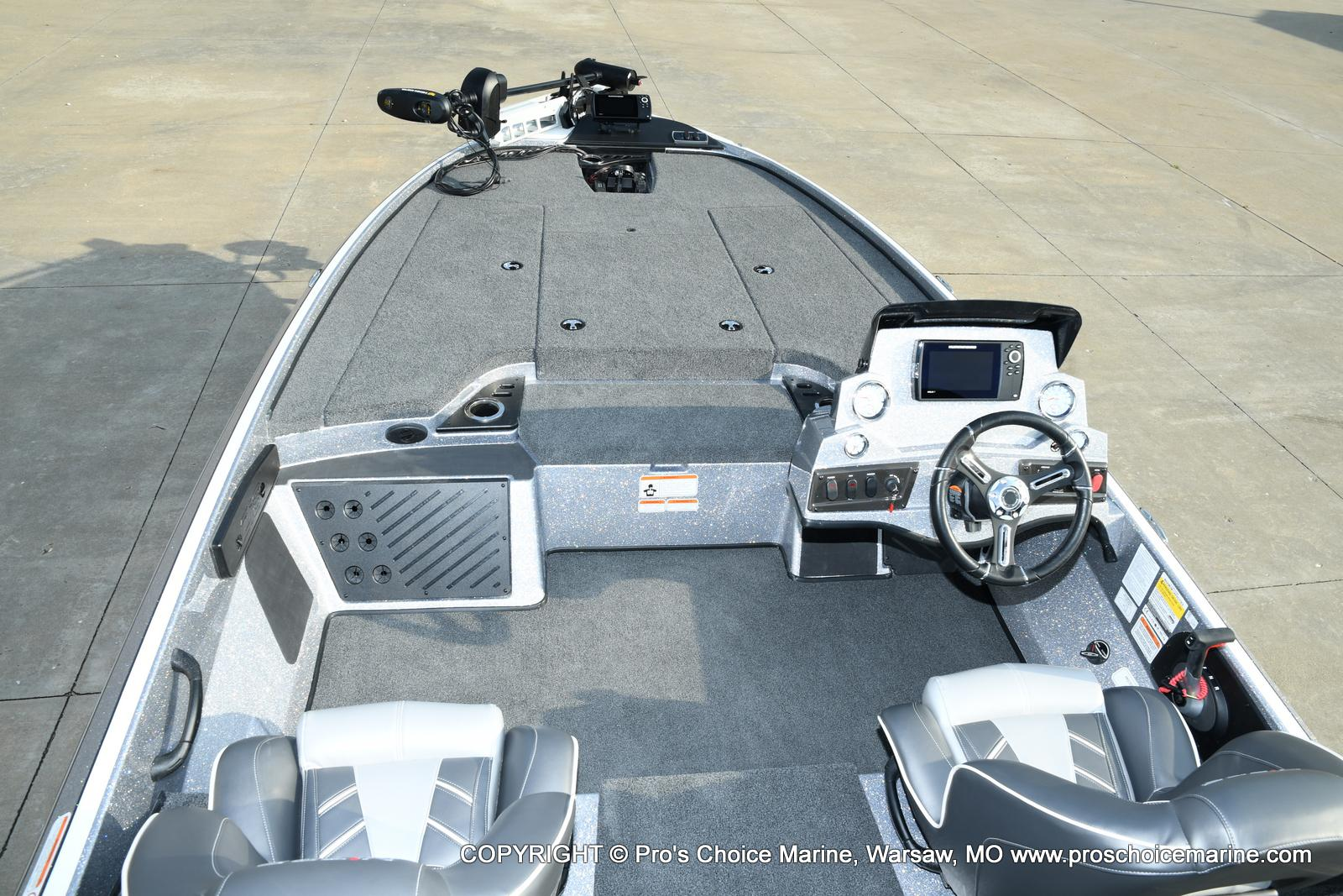 2021 Nitro boat for sale, model of the boat is Z18 Pro Pack w/175HP Pro-XS & Image # 29 of 50