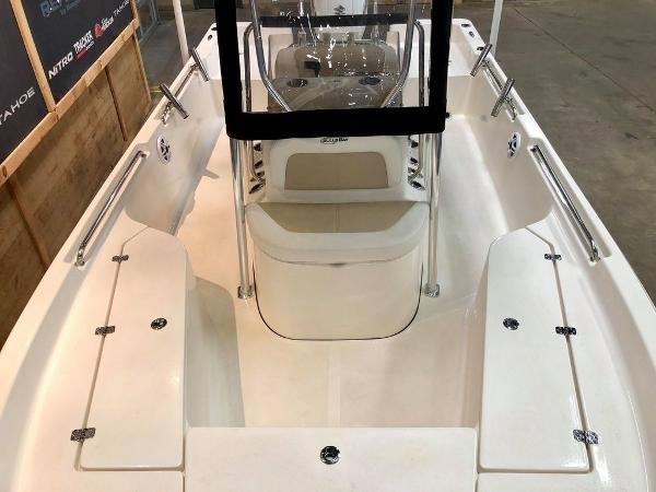 2021 Bulls Bay boat for sale, model of the boat is 2200 & Image # 4 of 17