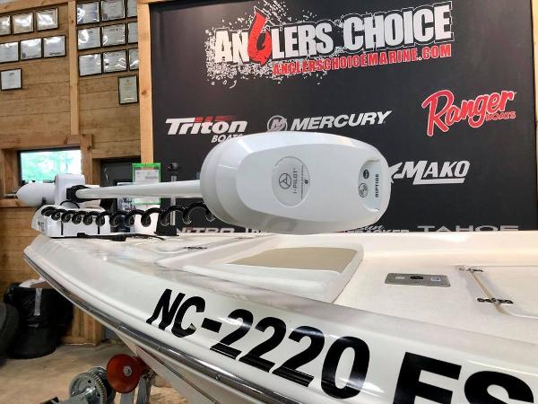 2021 Bulls Bay boat for sale, model of the boat is 2200 & Image # 12 of 17