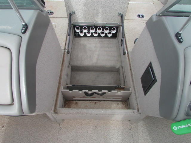 2006 Lund boat for sale, model of the boat is 2025 Pro V Magnum IFS & Image # 11 of 19